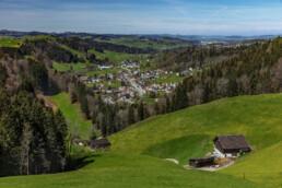 Appenzell, Appenzell Ausserrohden, Appenzellerhaus, Bauerhaus, Bühler, Dorf, Frühling, Haus, Hügel, Schweiz, Spring, Suisse, Switzerland, Tal, Wiese