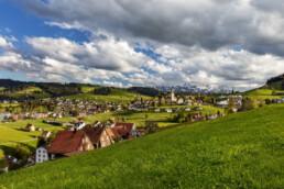 Appenzell, Appenzell Ausserrohden, Clouds, Dorf, Frühling, Hügel, Kirche, Kultur, Kulturbauten, Schweiz, Speicher, Spring, Streusiedlung, Suisse, Switzerland, Säntis, Wolken